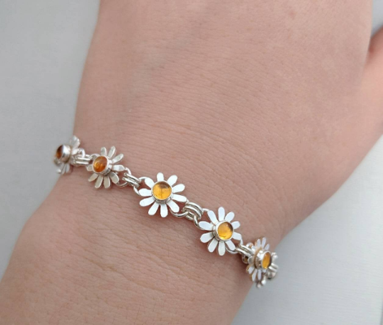 Daisy chain bracelet handmade by An American Metalsmith