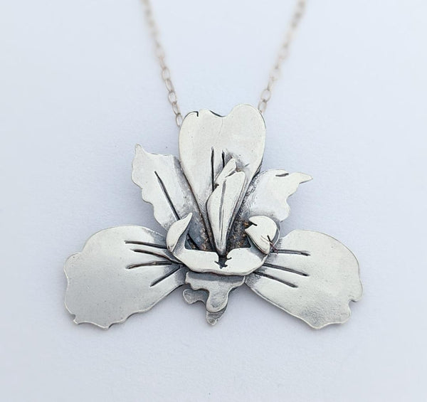 Sterling Silver Iris Necklace