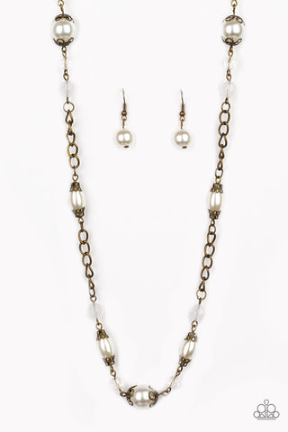 Paparazzi Necklace - Magnificently Milan - Brass