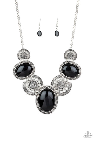 Paparazzi Necklace - Medallion-aire - Black
