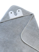 Load image into Gallery viewer, Baby Hooded Towel Penguin