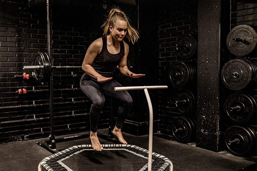 Fitness trampoline workouting
