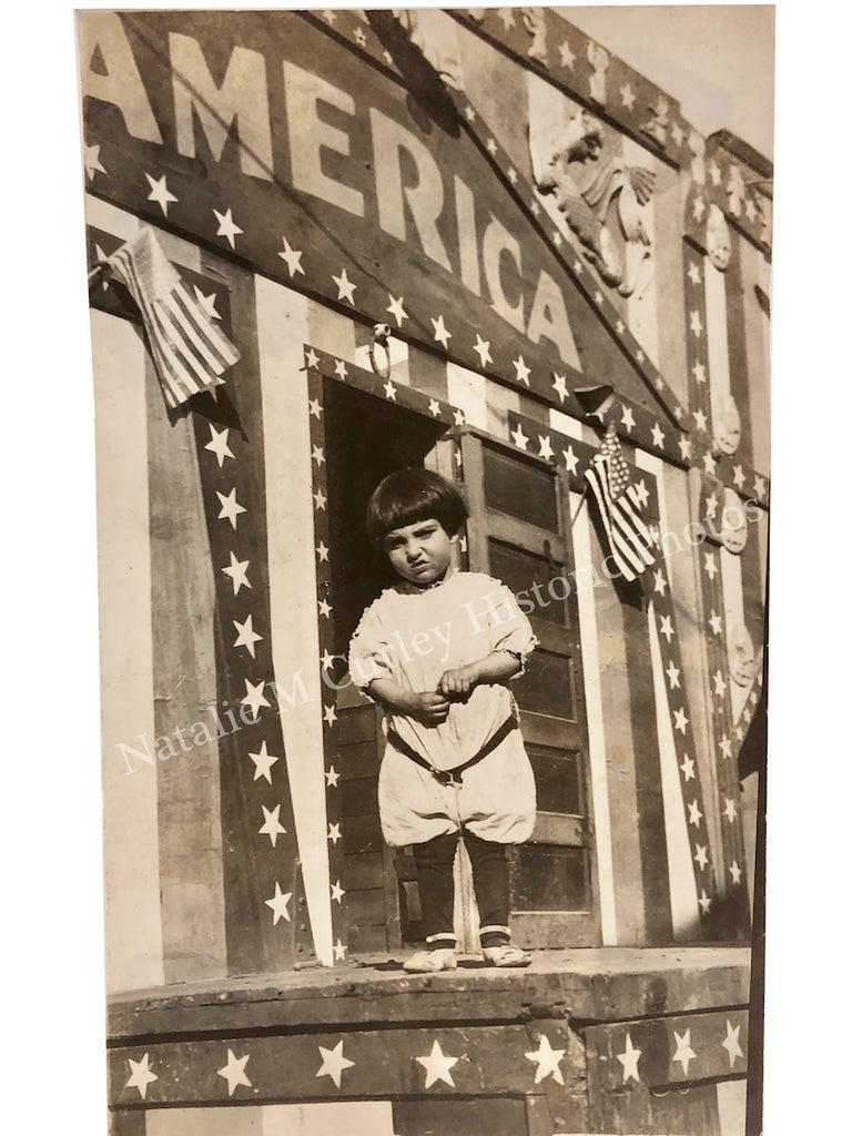 1900s AMERICA Circus Sign Child's Portrait