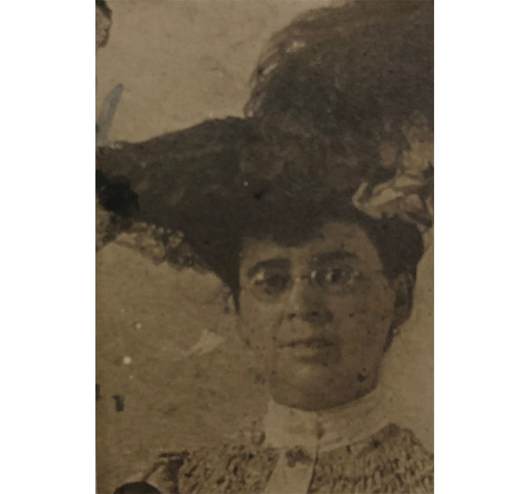 Unusual 19thc Victorian Woman Photo Calling Card