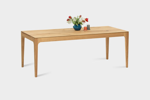 How to choose the best sized dining table.