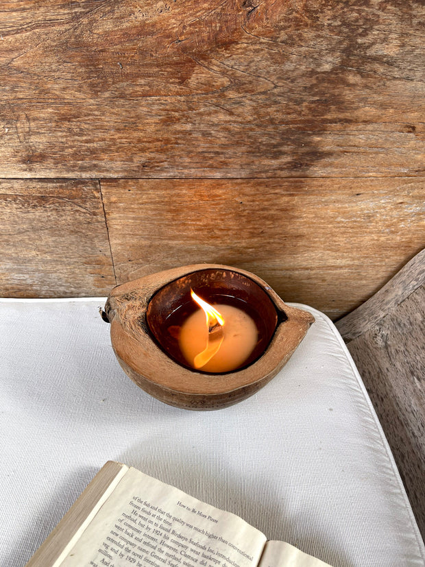 KAVA COCONUT SHELL CANDLE