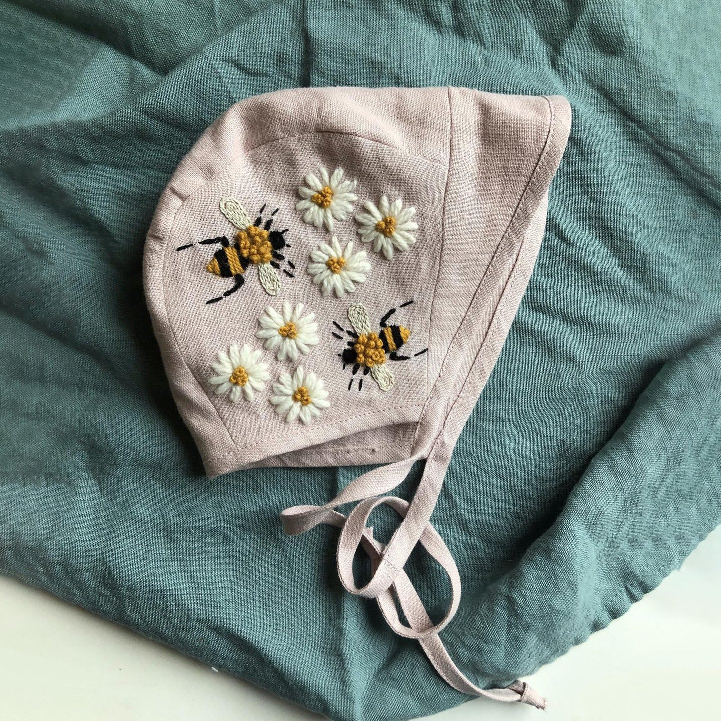 "Hand Embroidery Linen Baby Sunbonnet ""Bees and Chamomiles"""