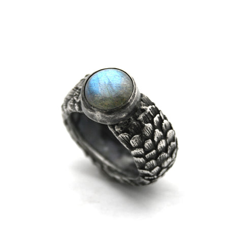 Scale Ring with stone