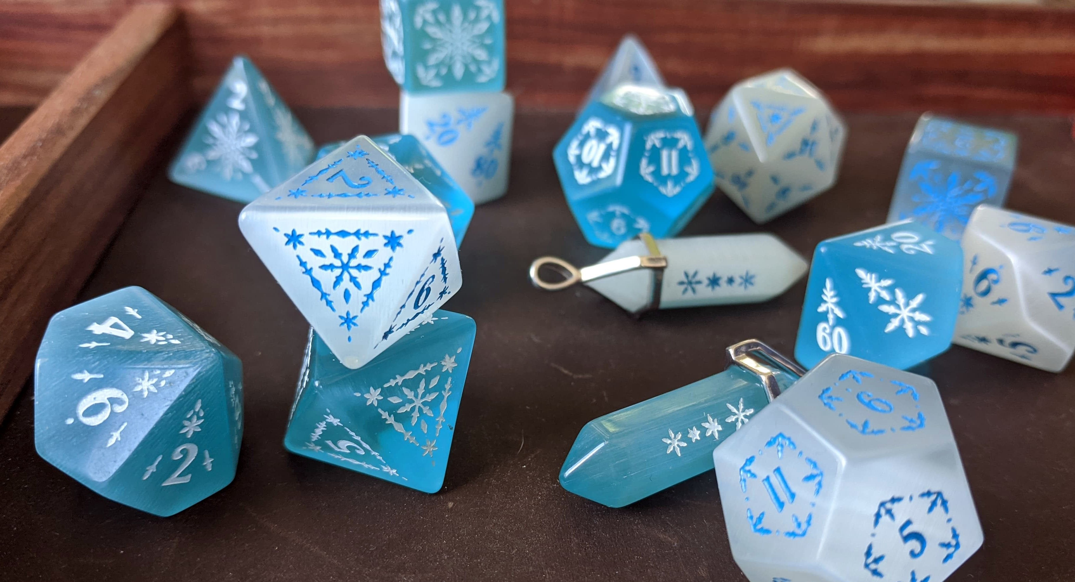 Snowflake Blue and White Cat's Eye Semi Precious Stone Dice Set of 7