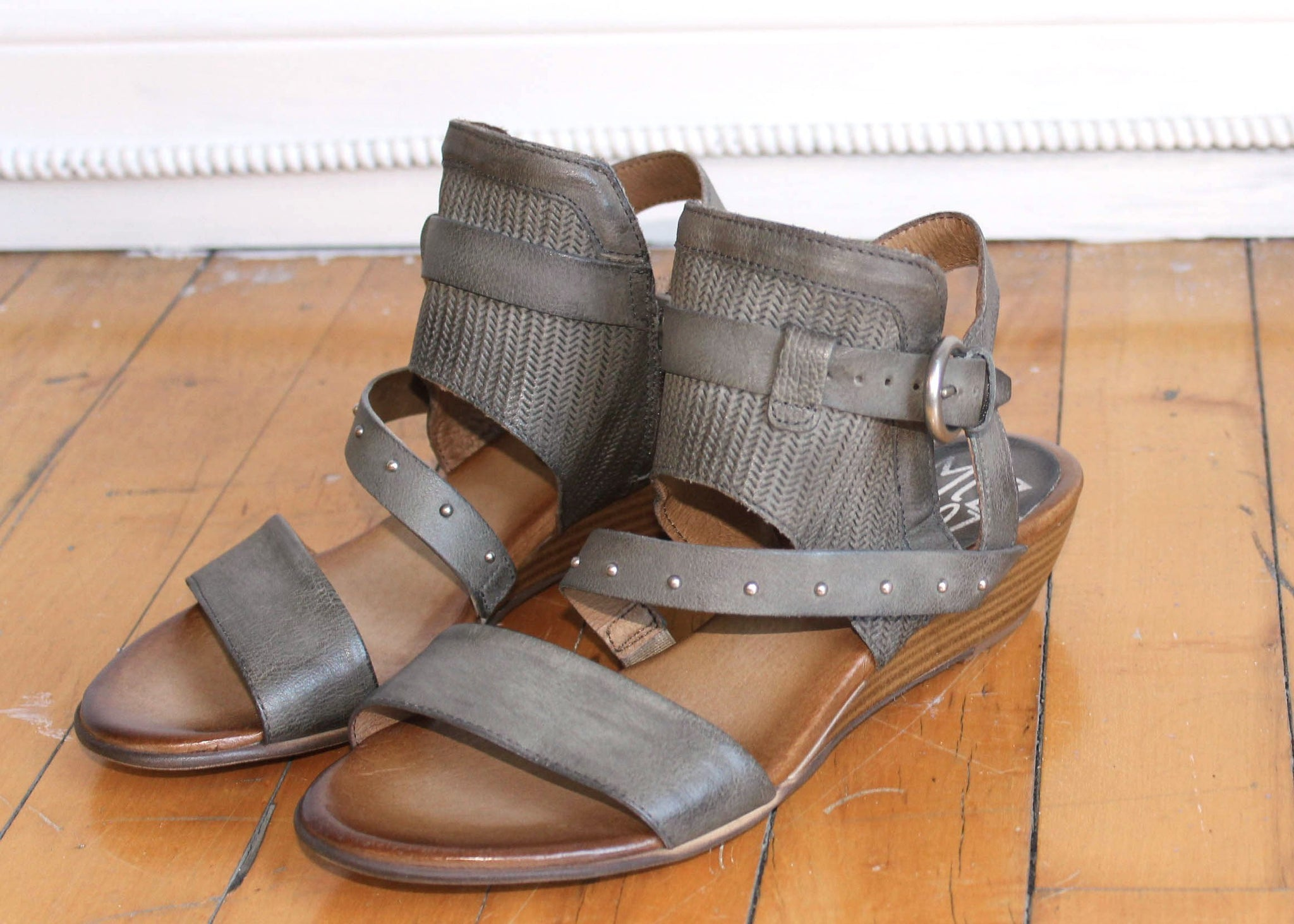 0db61a7e9 Farley - Rooster Shoes