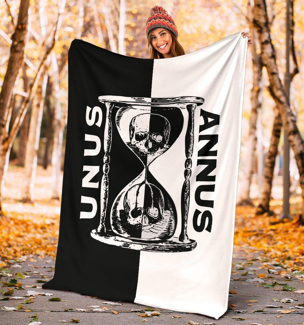 Camp Unus Annus Fleece Blankets Skull Hourglass Half And Half Official Unus Annus Merch - Pfyshop.com