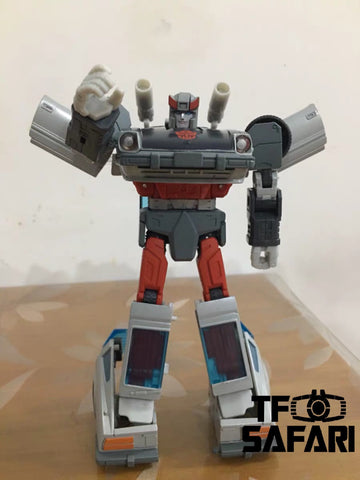 Takara Tomy Masterpiece MP18+ MP-18+ Streak (Blue Streak Limited Edition with Collectible Pin) 17cm / 6.7""