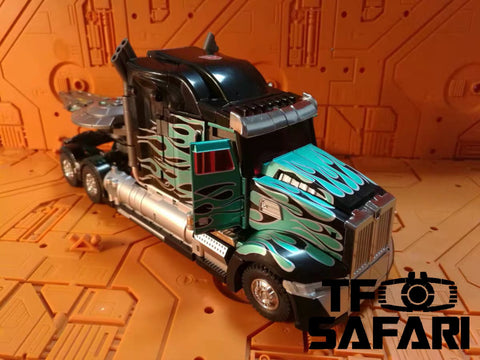 Unique Toys UT R-02B R02B Challenger Optimus Prime Black Version 27cm