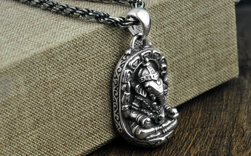 Mens 925 Sterling Silver Necklace Ethnic Style Pattern Silver Necklace Fashion Male Models Popular Solid Silver Necklace Bijoux Yet Not Vulgar Chain Necklaces