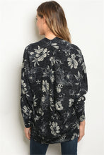 Load image into Gallery viewer, NAVY / BEIGE CARDIGAN