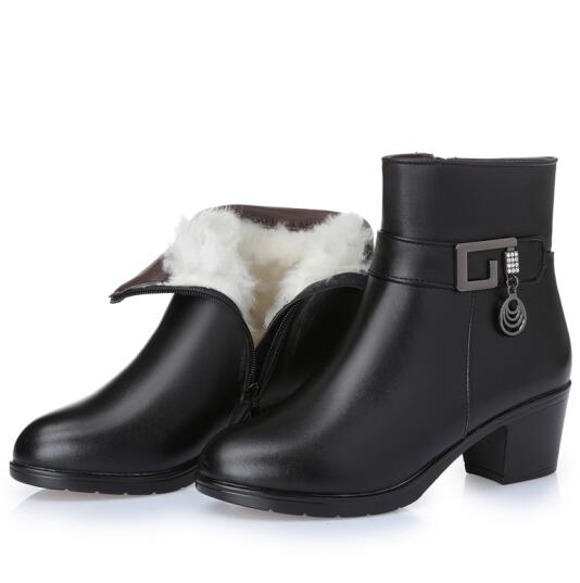 Genuine Leather women boots  2020 winter thick wool lined genuine Leather women snow boots large size women winter shoes