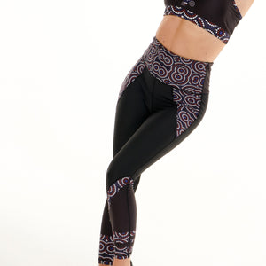 Signature On Black Butiful Leggings