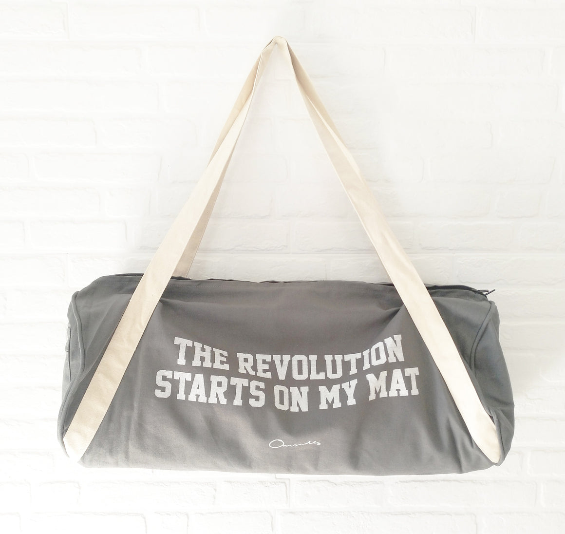 "Bolsa de transporte ""The revolution starts on my mat""."