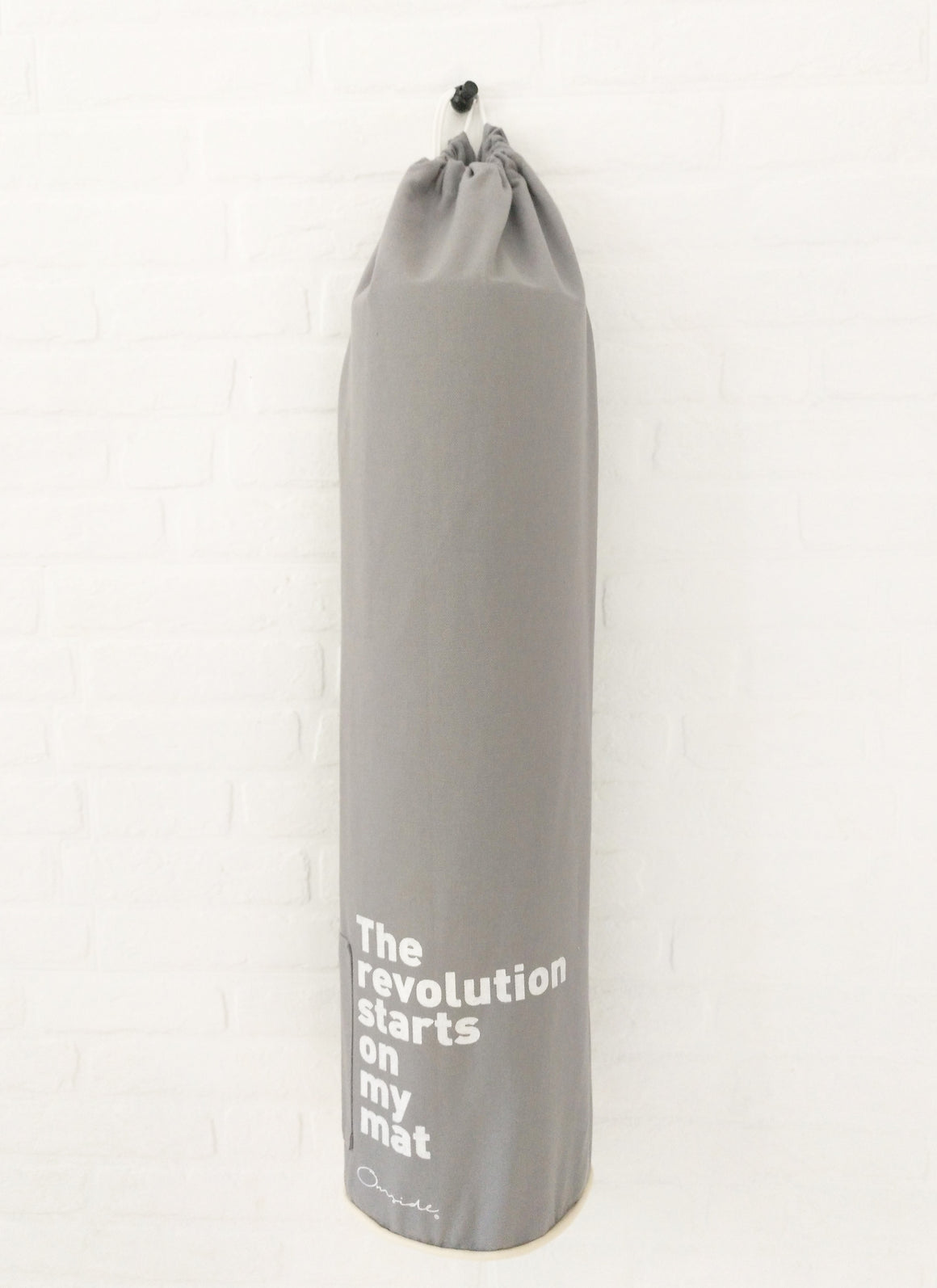"Bolsa para esterilla ""The revolution starts on my mat""."