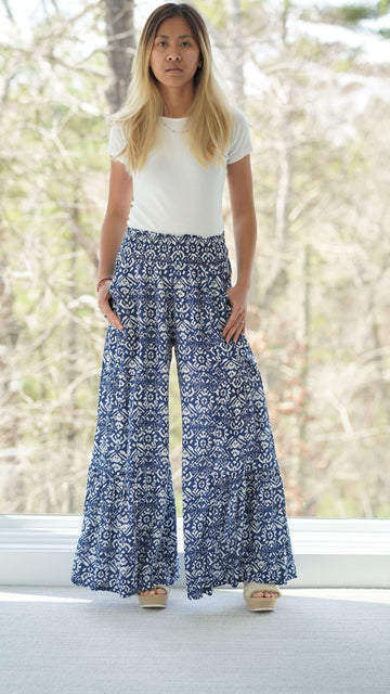 Maya Pants in Navy Petals