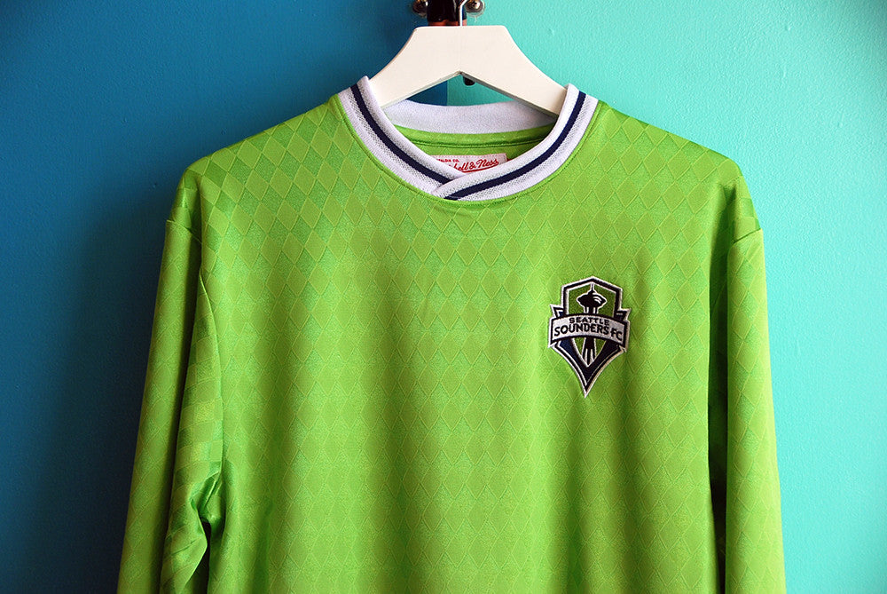Mitchell & Ness Seattle Sounders Throw-In Retro Jersey