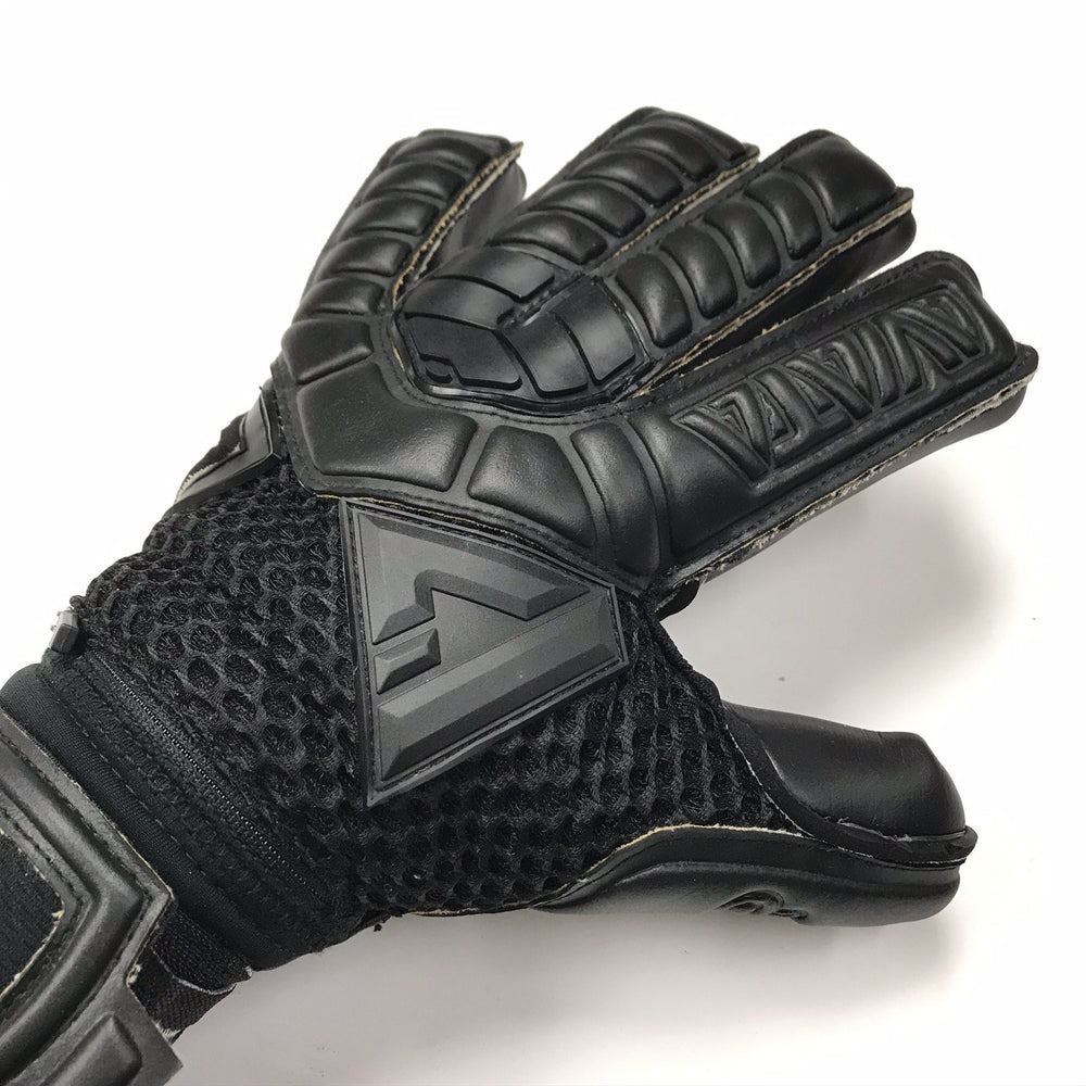 Aviata Sports Black Mamba Aero Pro Goalkeeper Gloves
