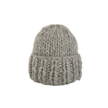 Load image into Gallery viewer, SANNI MOMENTOS Little Big Beanie