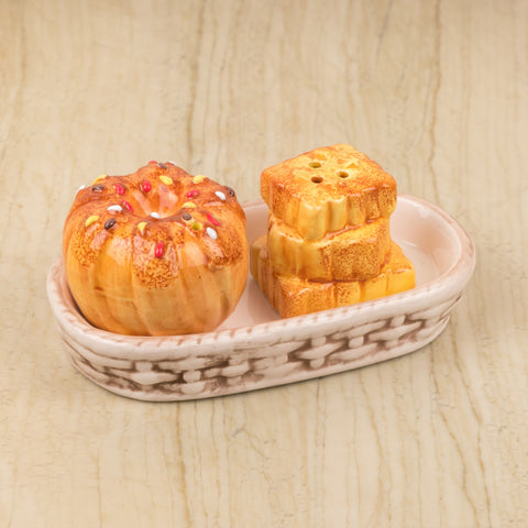 Doughnut And Biscuit Design Salt And Pepper Set With Tray