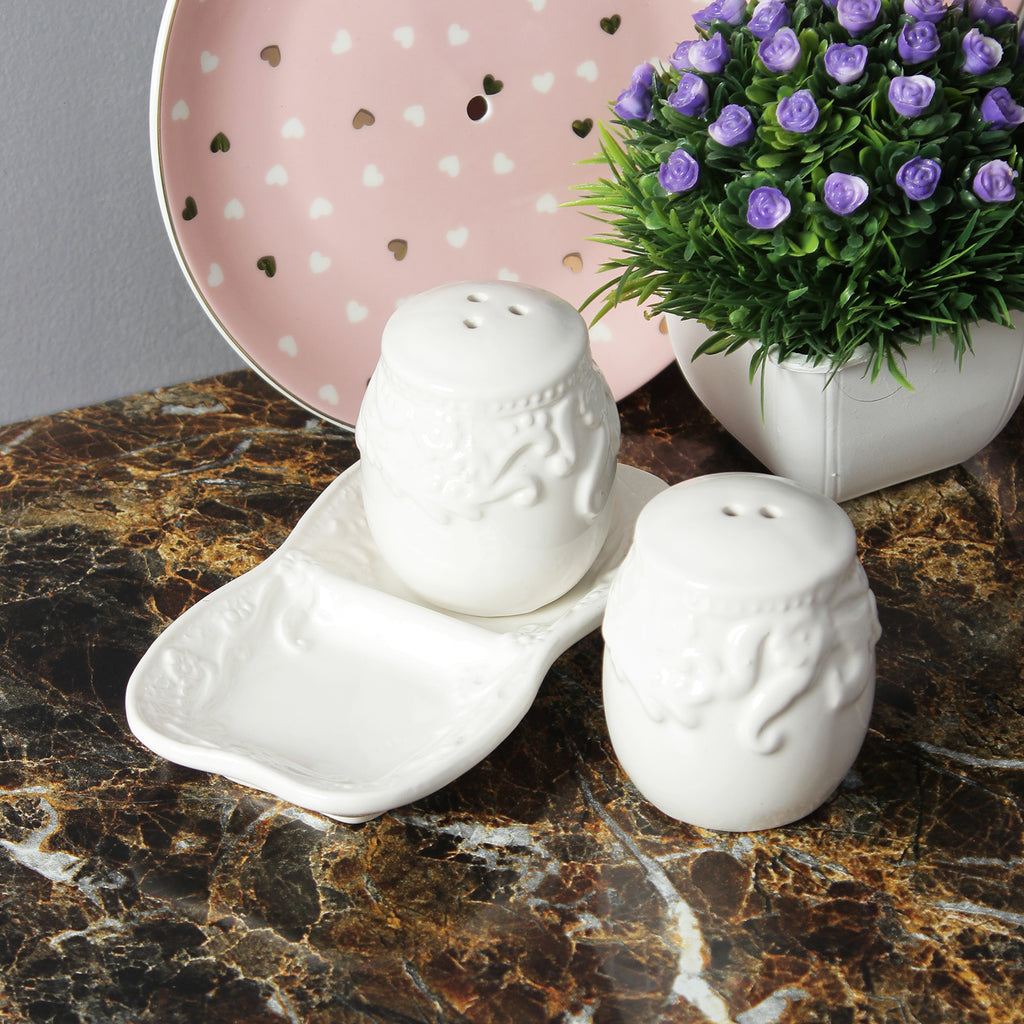 Abstract Salt And Pepper Shaker With Stand