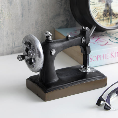 Vintage Sewing Machine Tabletop Accent