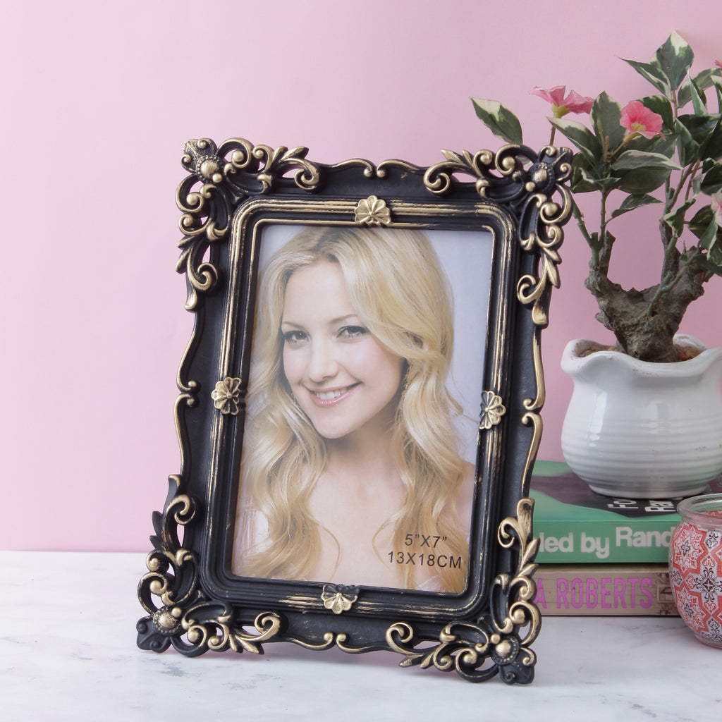 Antique Bordered Photo Frame - Gold