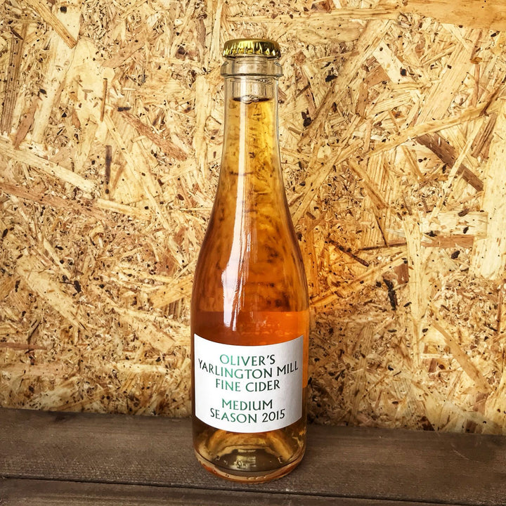 Oliver's Yarlington Mill Medium Fine Cider 6.7% (330ml)