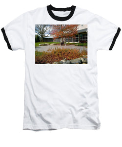 Abraham Lincoln Sitting On A Bench - Baseball T-Shirt
