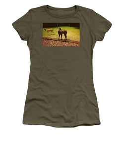 Billy Goat Keeping Lookout - Women's T-Shirt (Athletic Fit)