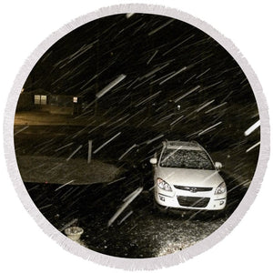 Blizzard In Delaware - Round Beach Towel