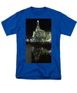 Christmas Tree Reflection - Men's T-Shirt  (Regular Fit)