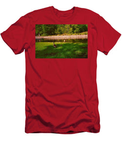 Duck Family Getting Back From Pond - Men's T-Shirt (Athletic Fit)