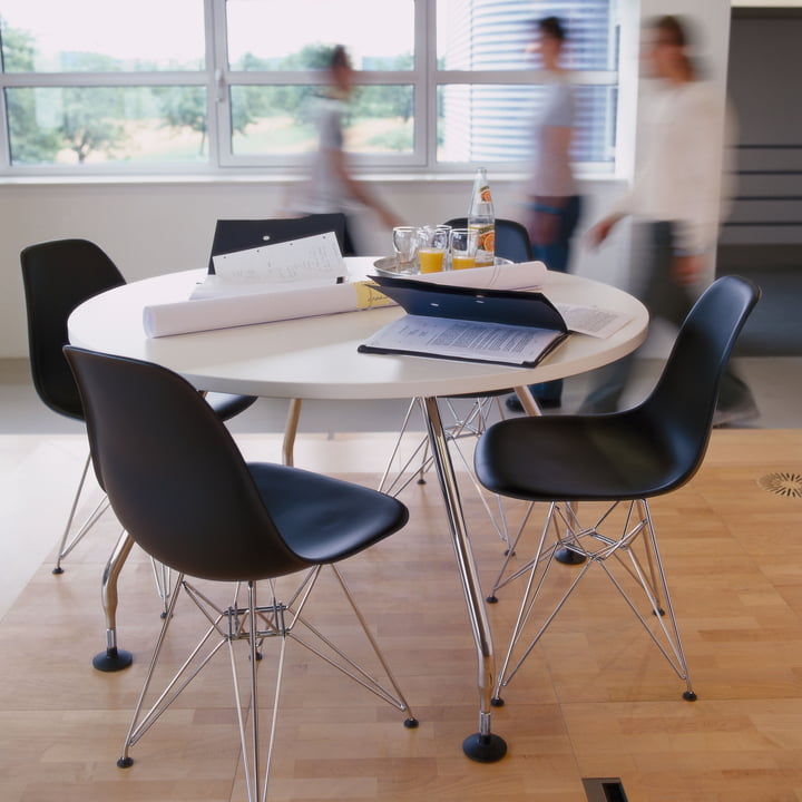 SALE - *NEW* Eames Plastic Side Chair DSR, weiß