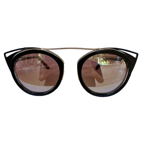 Round Black Coloured Suglasses w/ Cat Eye Detail