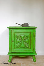 Load image into Gallery viewer, Antibes Green - Chalk Paint® by Annie Sloan