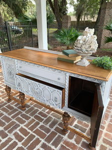 Jacobean Sideboard Buffet