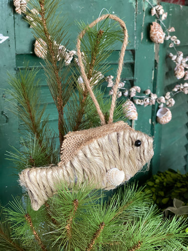 Jute Fish Ornament with Shell