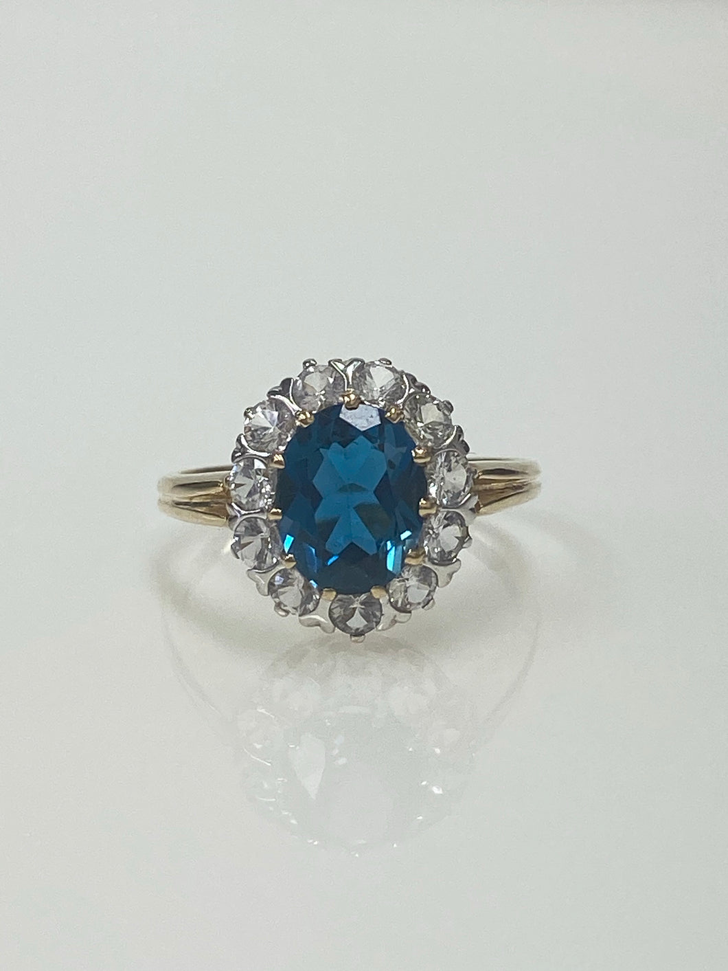 9ct Y/G London Blue Topaz & White Sapphire Ring