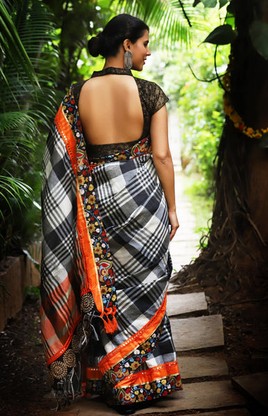 Awsome Black And White Thread Lenen Digital Printed Saree MS-1079