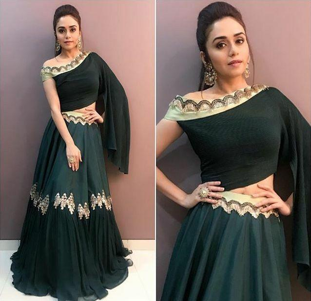 Awsome Party Wear Dark Green Color Embroidered Semi-stitched Lehenga Choli