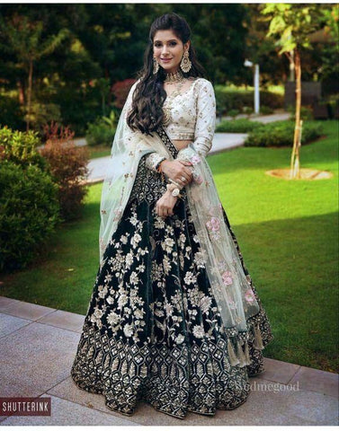New Look Party Wear Black Color Embroidered Semi Stitched Lahenga Choli