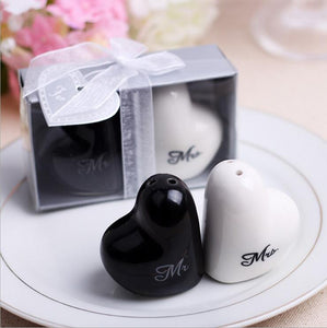 "Hot Heart Shaped ""Mr&Mrs"" Salt And Pepper Shaker Wedding Gifts - Tania's Online Closet"