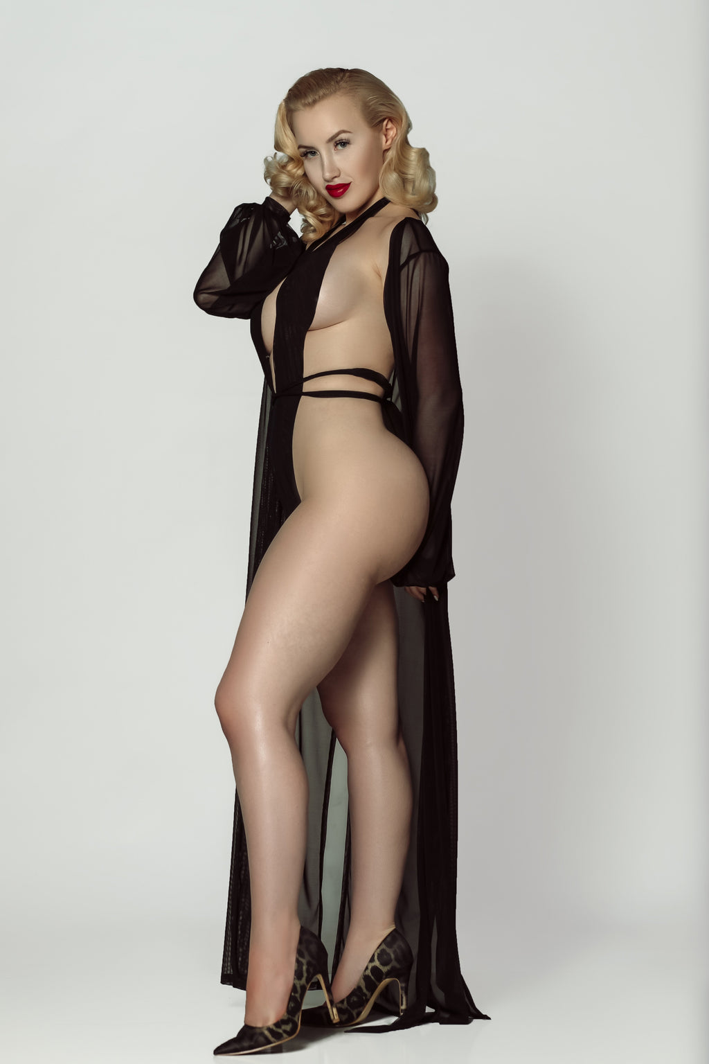 LOLA'S PLUNGE MESH TEDDY & ROBE SET (Black)