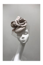 Load image into Gallery viewer, Mini Knot and Floral Putty Hat
