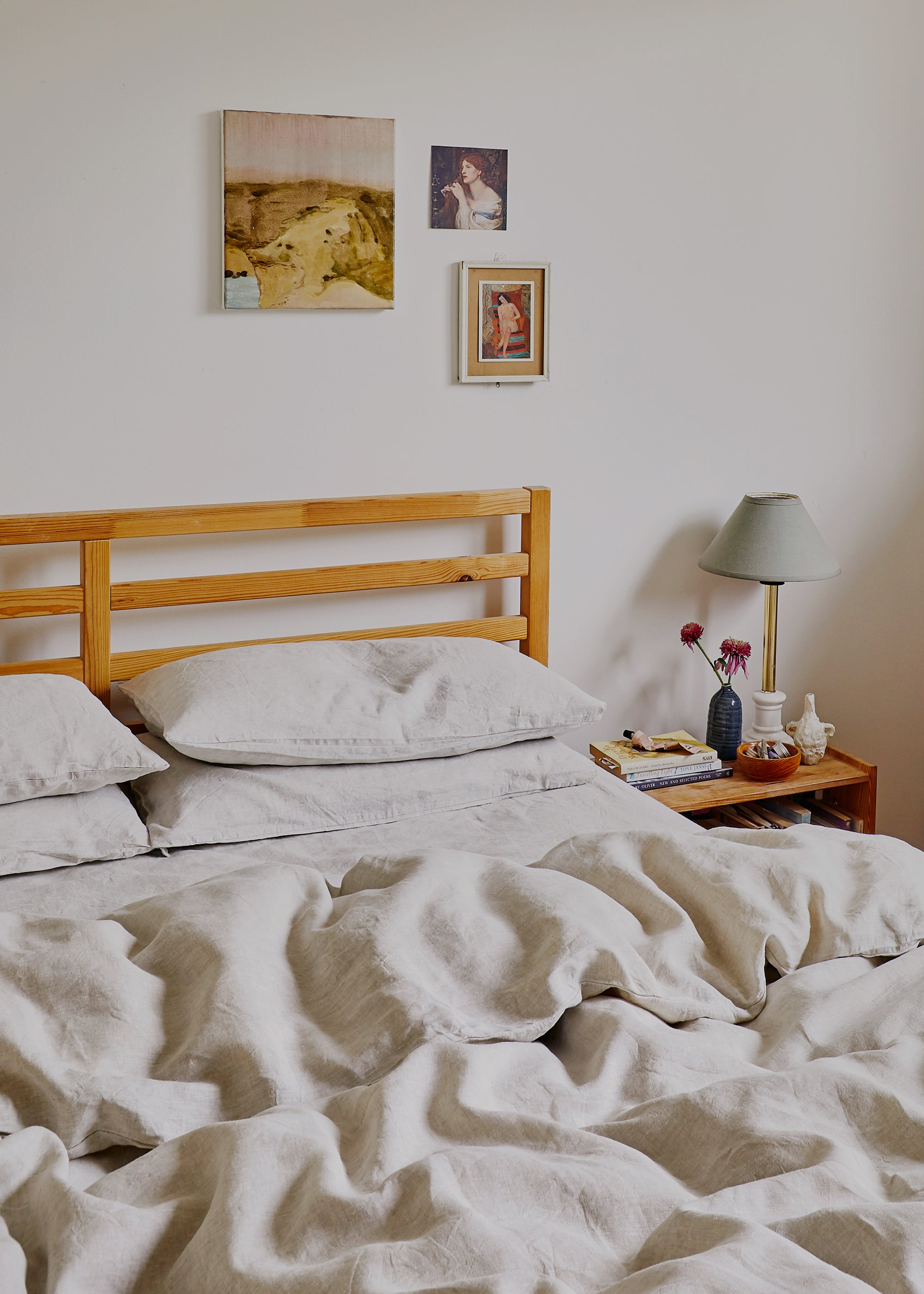 How To Style Your Bedroom For Good Luck According To Feng Shui Bed Threads